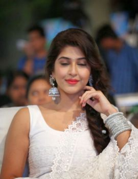 Telugu film actress Sonarika Bhadoria at Jadoogadu movie audio launch