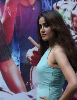 Sony Charishta Stills at Tamil Movie Injimarappa Interview