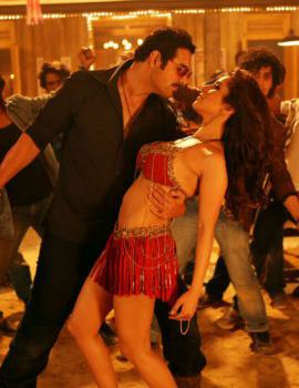 Sophie Choudry Item Song in Shootout At Wadala