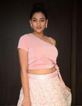 Spandana Palli Photos at Entha Manchivaadavuraa Movie Press Meet