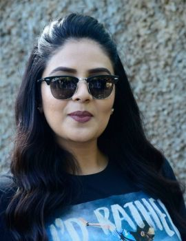 Sreemukhi Photos at Crazy Uncles Movie Press Meet