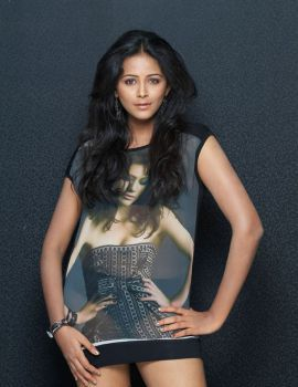 Subhiksha Latest Photoshoot in T-Shirt