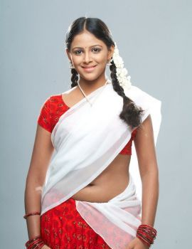 Tamil Actress Subiksha Photo Shoot Stills in Saree