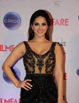 Sunny Leone at Filmfare Glamour & Style Awards 2015