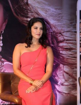 Sunny Leone launches Her Own Mobile App