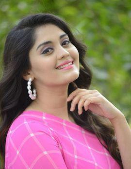 Surbhi at Sashi Movie Songs Okey Oka Lokam Nuvve Success Meet