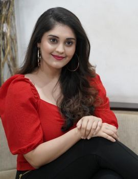 Surbhi Puranik Stills from Sashi Movie Interview