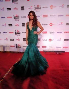 Surveen Chawla Stills at 63rd Jio Filmfare Awards