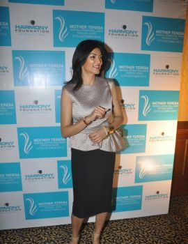 Sushmita Sen at Mother Teresa Memorial Award Function