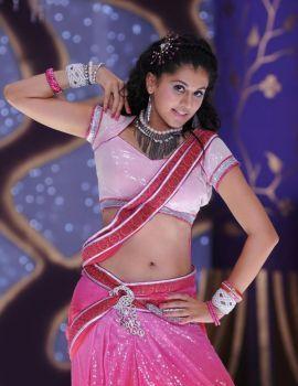 Taapsee Pannu Dance Stills in Saree in Daruvu