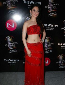 Tamanna Bhatia walks the ramp at 2011 Blenders Pride Fashion Tour