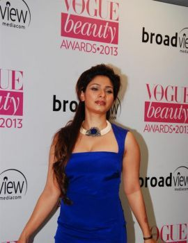 Tanishaa at Vogue Beauty Awards2013 Function