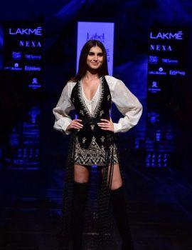 Tara Sutaria walks Ramp at Lakme Fashion Week