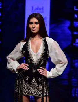 Tara Sutaria walks Ramp at Lakme Fashion Week