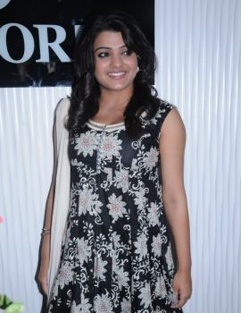 Tashu Kaushik at Amori Mobile Super Store Launch