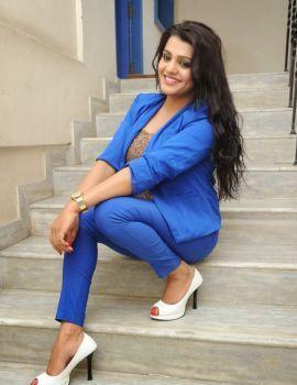 Tashu Kaushik at Reporter Movie Teaser Launch