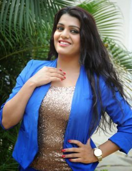Tashu Kaushik at Reporter Movie Teaser Launch