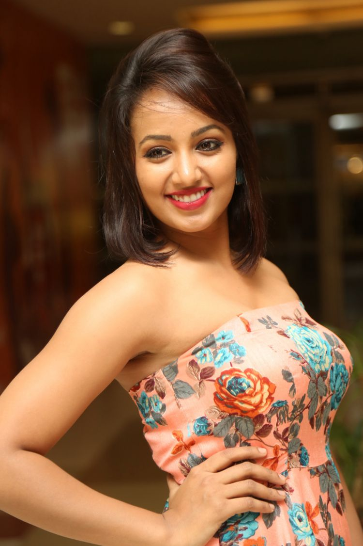 Tejaswi Madivada Photos at AMF Donation Presentation