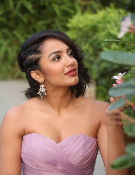 Tejaswi Madivada stills at Beautyland, JRC Convention