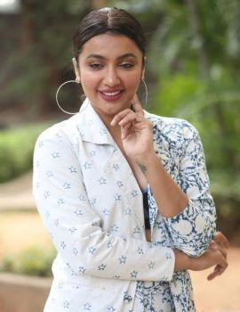 Telugu Actress Tejaswi Madivada Commitment Teaser Launch