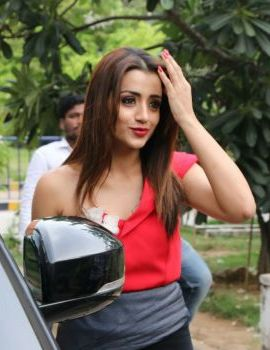 Tamil Actress Trisha Krishnan stills at Mohini Movie Press Meet