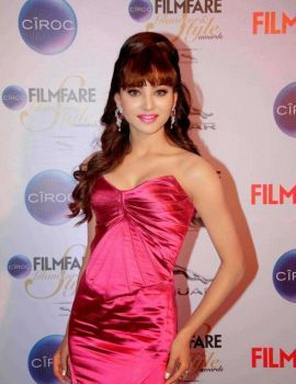 Urvashi Rautela in Pink Dress at Ciroc Filmfare Glamour Style Awards