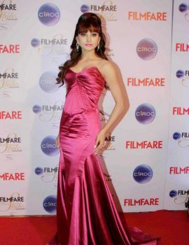 Urvashi Rautela in Pink Dress at Ciroc Filmfare Glamour Style Awards