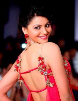 Urvashi Rautela Stills at Hyderabad International Fashion Week