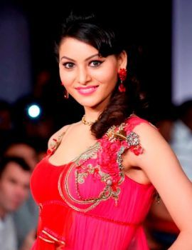 Urvashi Rautela Stills at Hyderabad International Fashion Week