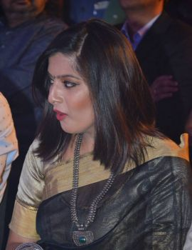 Varalaxmi at Pride of Tamil Nadu Award 2017