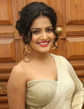 Vishakha Singh Stills at Rowdy Fellow Audio Launch
