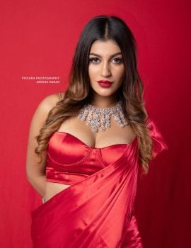 Bigg Boss 2 Fame Tamil Actress Yashika Aannand Stills in Red Saree