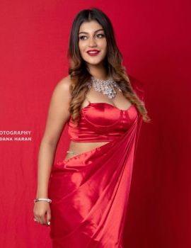Bigg Boss 2 Fame Tamil Actress Yashika Aannand Stills in Red Saree